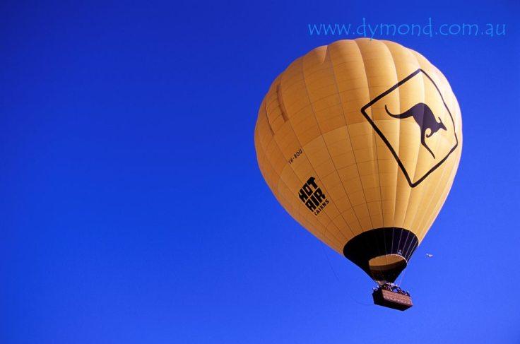 hot air ballooning cairns kangaroo